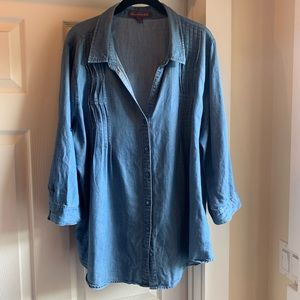 Gloria Vanderbilt denim shirt